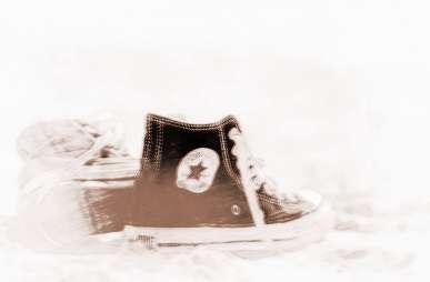 做梦梦见穿别人的鞋子