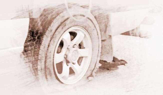 梦见自己开别人车车的四个轮胎不见了怎么办