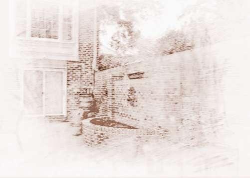 如果农村院子大门是正对着房子的窗户的,这样是风水上的漏财格局,在