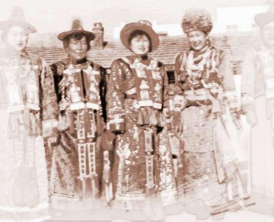 蒙古花纹背景图片