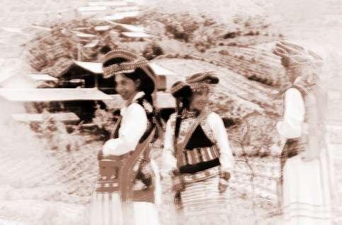 幼儿园手工制作 傈僳族民族娃娃