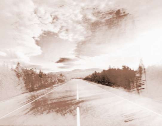 梦见平坦宽阔的大路   表示你眼前心情愉快,预示事业一帆风顺.