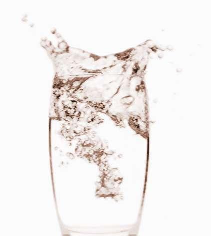 梦见杯子被裂