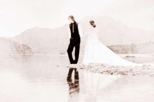 [生辰八字算命婚姻配对]阴历算命生辰八字婚姻的运势
